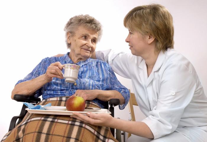 размер пенсии по уходу за престарелыми